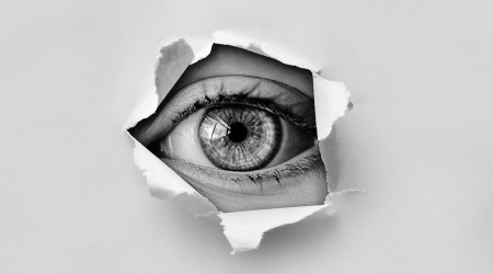 Blog: Stosowanie soczewek kontaktowych przy zespole suchego oka