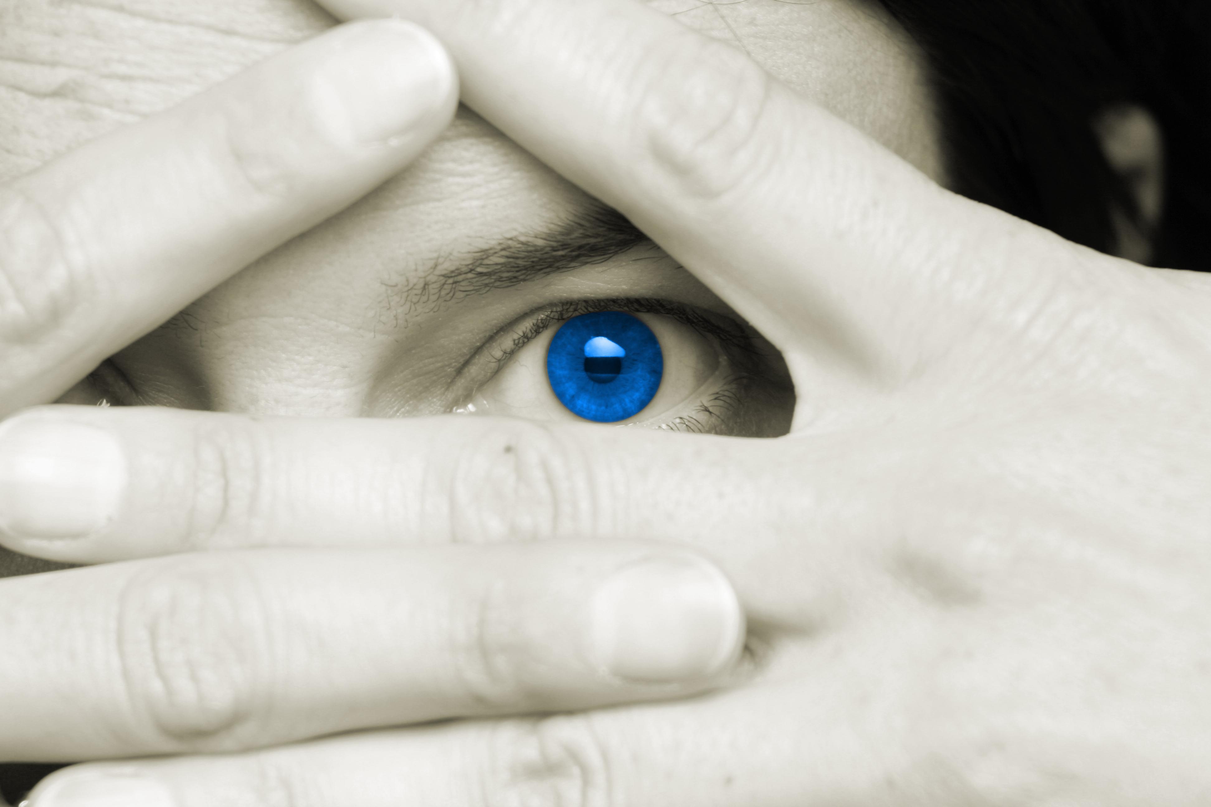 Blog: Krzywizna soczewek kontaktowych