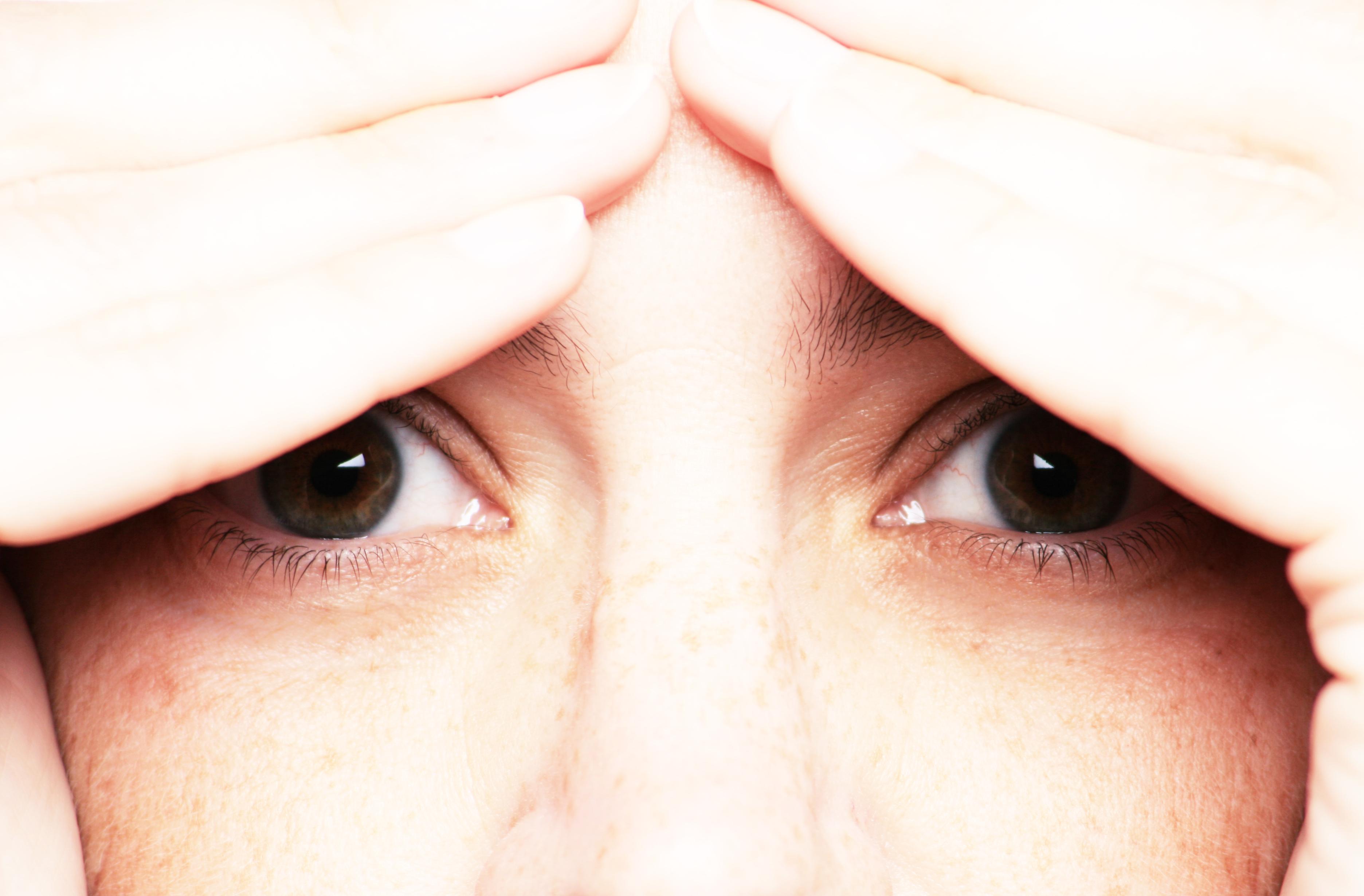 Blog: Właściwa pielęgnacja soczewek kontaktowych